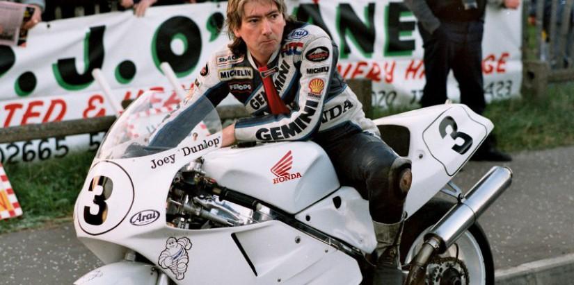 Joey Dunlop in 1990