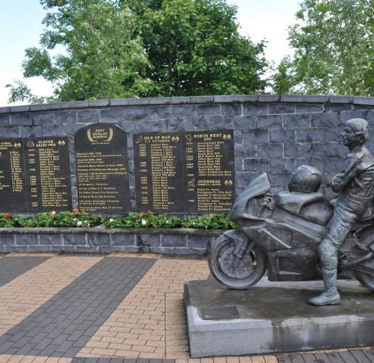 Image of Dunlop Memorial Gardens