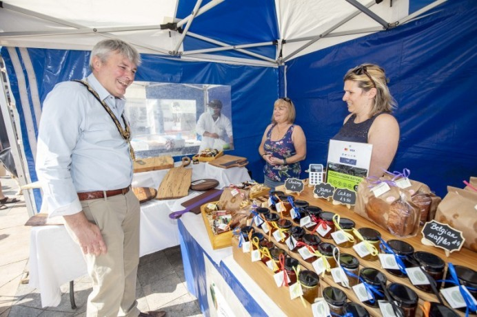 Mayor celebrates 15 years of success for Causeway Speciality Market