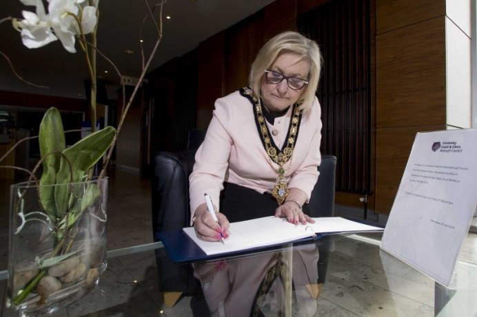Mayor opens Book of Condolence in memory of Lyra Mc Kee