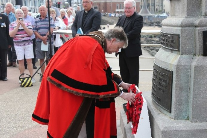 Mayor attends VJ Day commemoration at Portstewart War Memorial