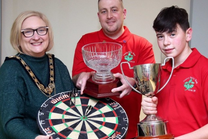 Mayor hosts reception for Area 10 North Derry County Darts players