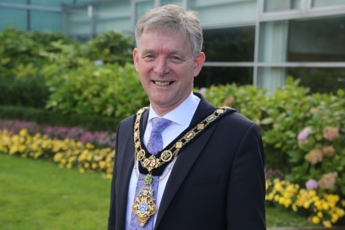 Mayor appeals for a safe Easter during Council meeting address