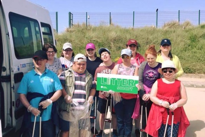 Community group litter pick at Benone Beach