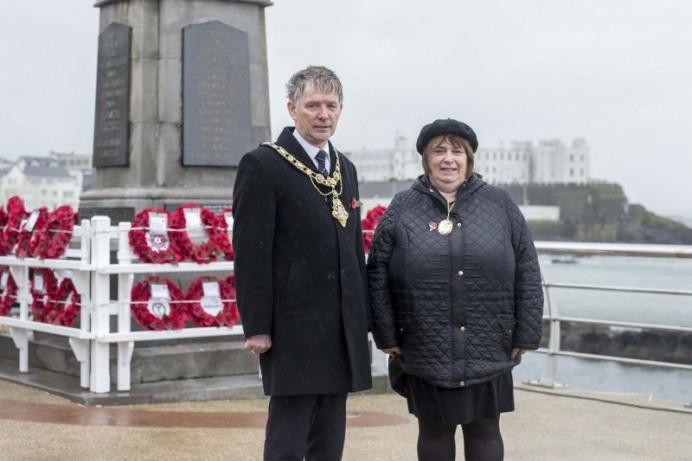 Mayor attends Portstewart War Memorial to mark Armistice Day