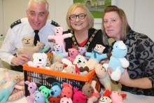 Nimble Needles knitters donate 'Trauma Teddies' to local police